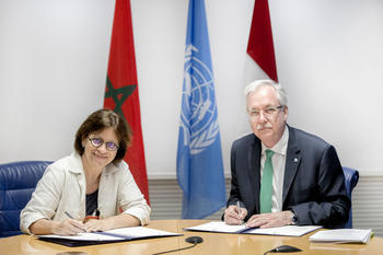 FAO Juin 2019 /2 - Isabelle Rosabrunetto, Director General of the Ministry of Foreign Affairs and Cooperation, and Daniel Gustafson, FAO Deputy Director-General for Programmes, sign the agreement. © DR